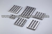 Solid Plate Grate-Symmetrical Holes